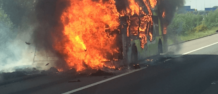 Brave police officer Simon honoured after rescuing children from burning bus