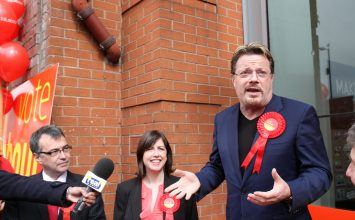 Eddie Izzard joins Labour campaign trail in Coventry